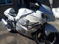 Limited Edition Suzuki Hayabusa Motorbike Rare, 120 Made, Pearl White Silver Imported Twin Exhaust