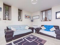 ** Massive 1 bedroom flat to let ** E14 Canary wharf ** £350pw ** part dss welcome **