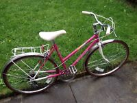 "GREYHOUND small women's bike 24"" wheels,5 gears,front and back mudguard,back pannier carrier"