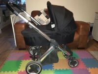 Reduced!! Babystyle Oyster travel system, maxicosi pebble & familyfix isofix base.