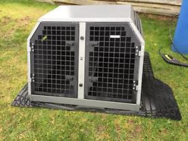 Trans K9 B13 dog cage fits a Volvo V50