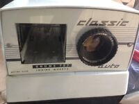 Gnome 757 Classic 35mm slide projector