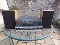 Ultra model 6496 vintage / retro automatic record player and radio with original speakers
