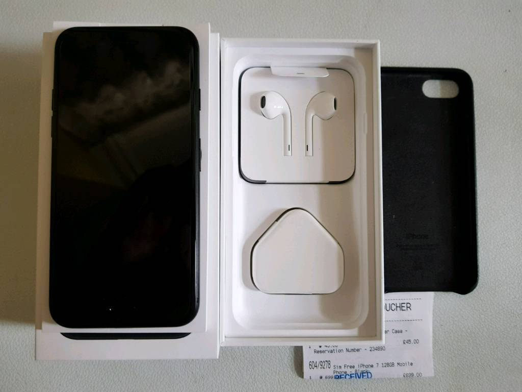 IPhone 7 128gb unlocked Matt black in mint conditionin Farnborough, HampshireGumtree - IPhone 7 128gb, comes with Apple leather cover , reciept from argos. Had screen protector on from purchase