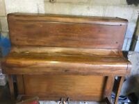 Free Squire and Longson upright piano