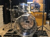Pearl crystal beat shell pack with hard cases and drumlite, less than 1 year old, immaculate cond