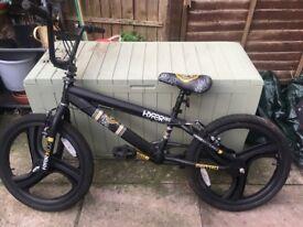 Hyper Max BMX bike 20 inch wheels Black