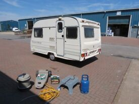 Avondale 2000 year 2 berth end kitchen,18 ft,855 kg,cris reg,dry,tested,clean with accessories