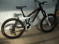 Kona Stinky Full Suspension Mountain Bike.