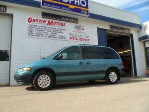 1998 Plymouth Voyager SE