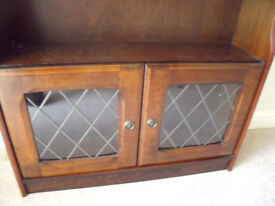 Small Dark Wood Unit ** Lovely Item!** Could deliver locally!