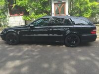 Mint condition MB E320 CDI. Full MBSH, 72K, Black, Fast and economical.7 seater. Privacy windows