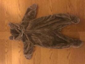 Baby boy / girl teddy bear snowsuit 0-3 months