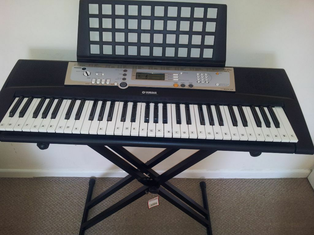 Yamaha psr e203 electronic keyboard with stagg stand in for Yamaha psr stand