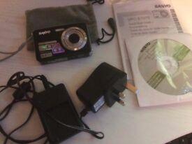 Sanyo Camera 10 MP E1075