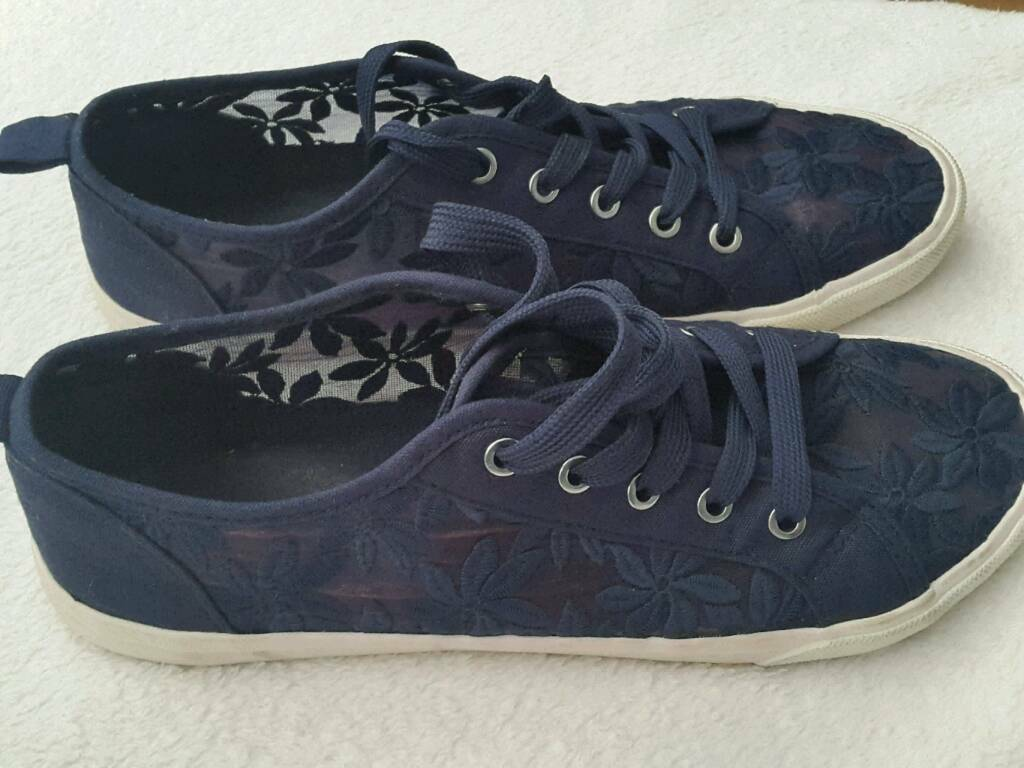 Shoes size 8in Belle Isle, West YorkshireGumtree - Shoes summer trainers size 8 blue