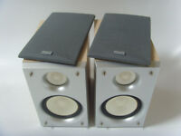 Hitachi Hifi Stereo Bookshelf Speakers