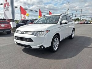 2014 Mitsubishi Outlander SE 4WD for only $136 biweekly!