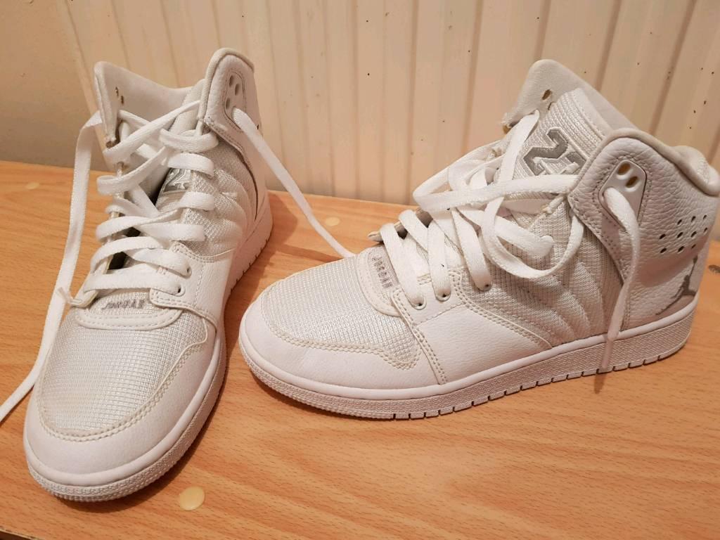 Size 4.5 Nike jordans