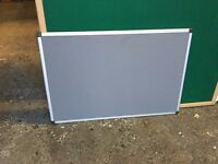 GREY FELT NOTICE / PIN BOARD 600mm X 900mm