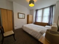 Double room in a shared 3 bedroom flat (bathroom is shared with 1 person only)