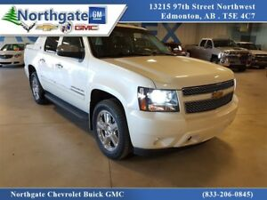 2013 Chevrolet Avalanche LTZ Black Diamond, leather, Nav, Blueto
