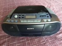 Portable Sony Stereo CD, Tape and Radio Player