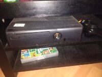 Xbox 360 4gb (slim/hd) , with official wireless controller FIFA 15 and WWE 13