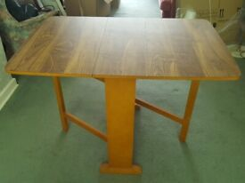 Gate Leg Table (by Fortress)