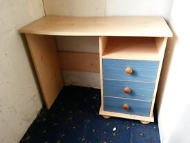 Wooden Desk - 3 Drawers - Good Condition