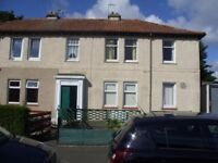 BRIGHT 2 BEDROOMED UPPER VILLA FLAT IN CRAIGENTINNY