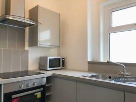 2 bedroom flat in Redearth Road, Darwen, BB3 (2 bed) (#1135451)