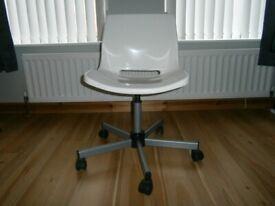 Office Chair White 5 wheel base