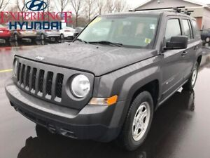 2016 Jeep Patriot Sport/North SPORT NORTH EDITION WITH LOW KMs A