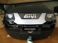 Givi e55 top box and fitted rack with grab rail plus base plate and fittings. LIKE NEW!