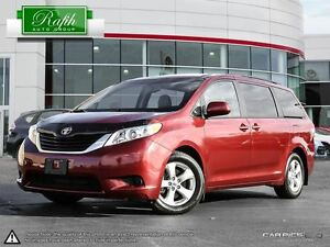 2013 Toyota LE V6 7 Passenger (A6) Windsor Region Ontario image 1