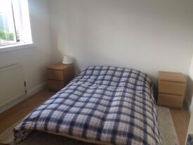 Large bright double room to rent, close to Aberdeen Royal Infirmary