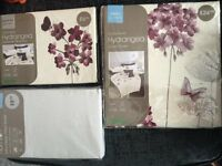 Dunelm - Hydrangea and Butterfly- Single duvet with Pillowcase and fitted sheet - New