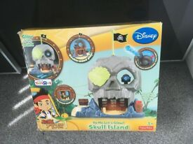 Disney Jake and neverland pirates with skull island PLAY SET