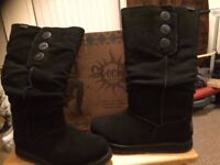 Pair of ladies Sketcher winter boots size 5