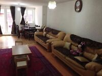 Large Double Bed Room / Bright room to Let including bills (Box Room - Double Room - Studio Flat