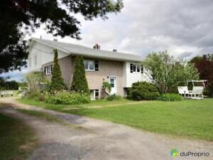 199 900$ - Maison à un étage et demi à vendre à Warwick