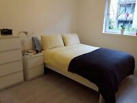 Beautiful double bedroom en suite, available now, Fettes area