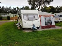 LUNAR LUNAR QUASER H08: MODEL FB: YEAR 2007. 6-BERTH TWIN AXLE WITH EXTRAS TOP OF THE RANGE