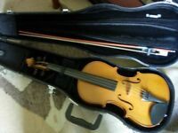 Stentor II fullsize violin with bow and case -as new condition, bargain price