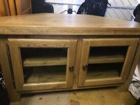 Excellent condition solid oak tv cabinet