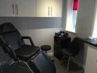 Full time beauty therapist required/ fully equipped beauty room for rent
