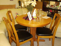 Extendable dining table and four chairs