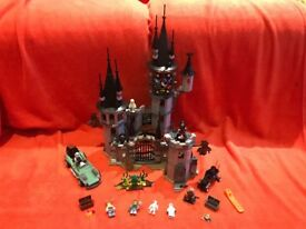 LEGO - MONSTER FIGHTERS - VAMPYRE CASTLE - (9468) - INC EXTRAS + SERIES 1 ZOMBIE