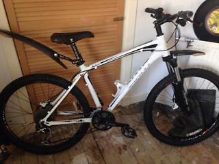 Giant talon o white mountain bike